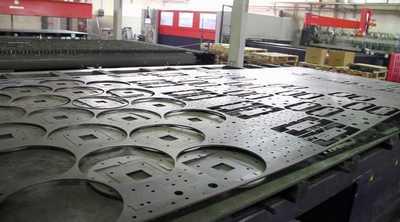 Laser e microlavorazioni su lamiera acciaio inox